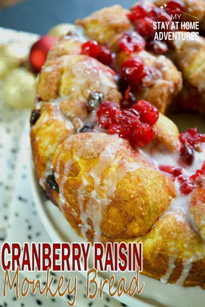 Delicious Cranberry Raisin Monkey Bread Recipe your family and friends will enjoy this holiday season. Learn how to make it this mouthwatering recipe!
