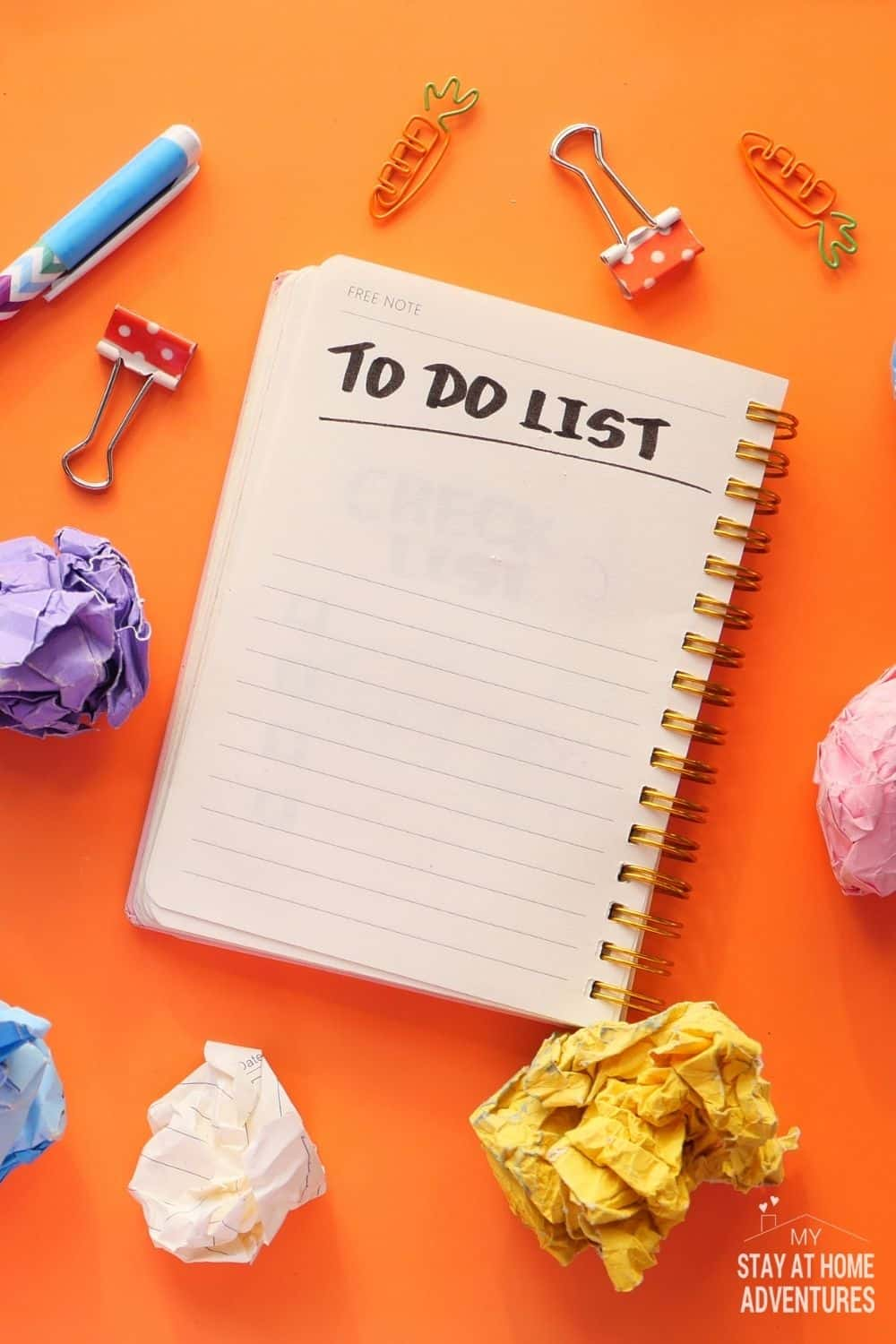 A daily to-do list a great tool all moms. Learn the benefits of a to-do list and start your day organized and motivated. via @mystayathome