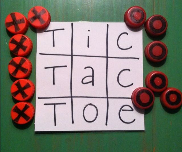 DIY Tic Tac Toe - Winter is here and this means kids will be spending more time inside depending on the weather. Here are 4 table games you can DIY on a wintery day.