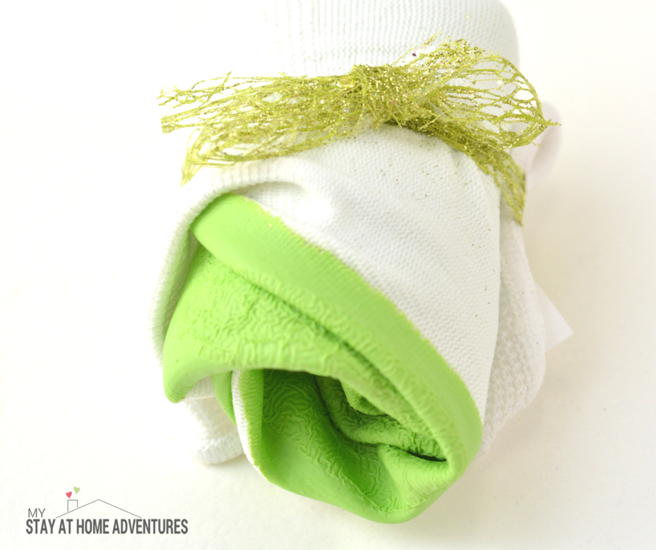 Mother's Day DIY Gift: Mother's Day Salad Garden Kit - Garden gloves as gifts