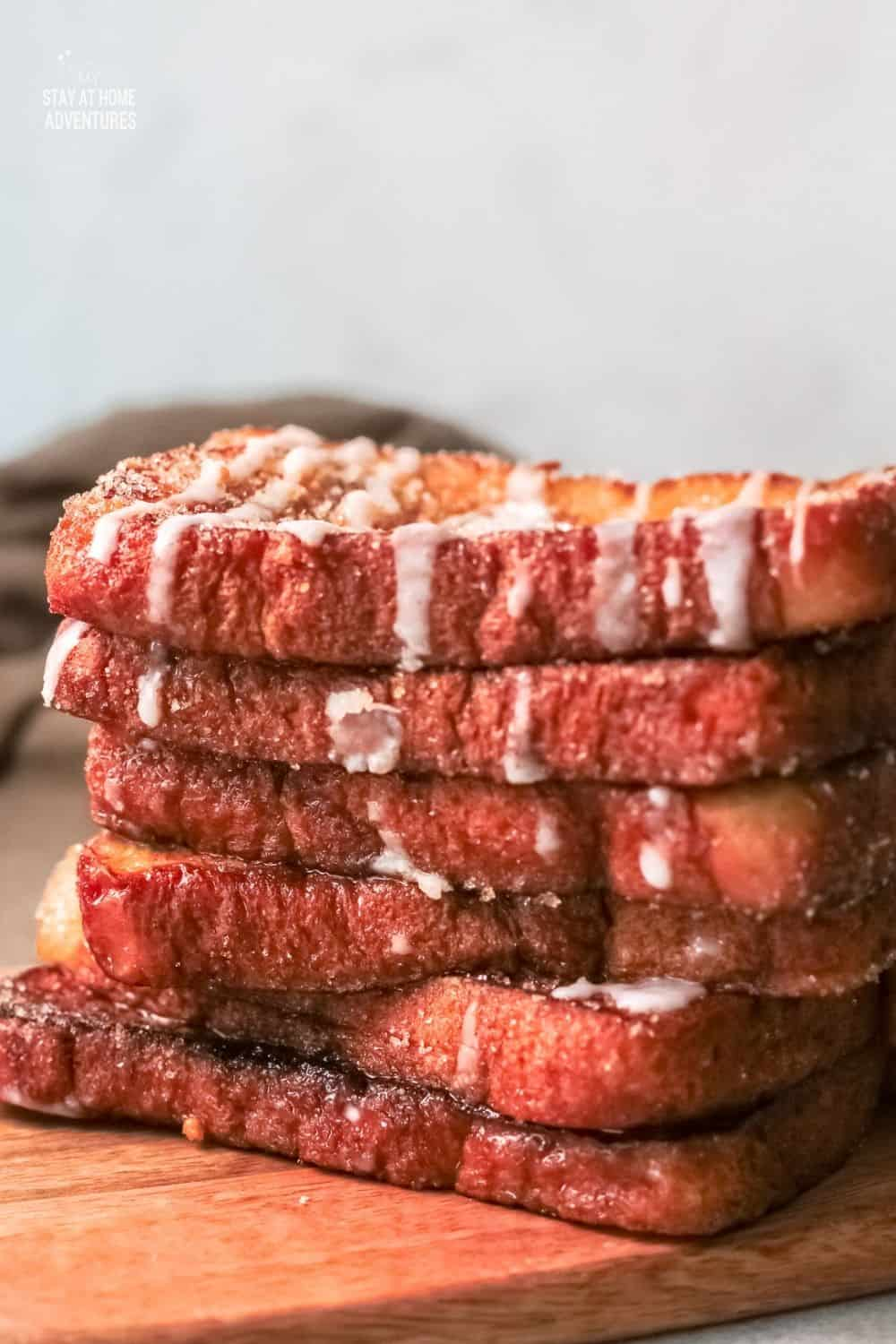 These sweet-smelling Churro French Toasts make you wake up fully after having these for breakfast. They can be a great snack, too. via @mystayathome
